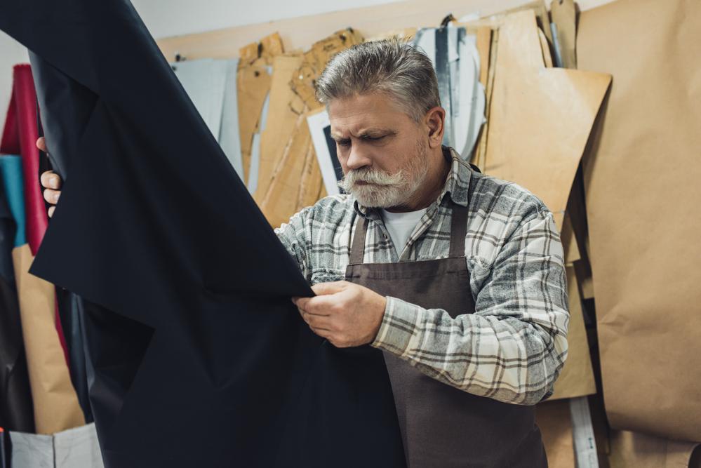Choosing the Best Sofa: Leather Vs. Fabric